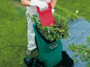 садовый измельчитель травы и веток с прессом