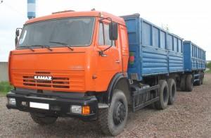 КамАЗ-65117 с прицепным зерновозом