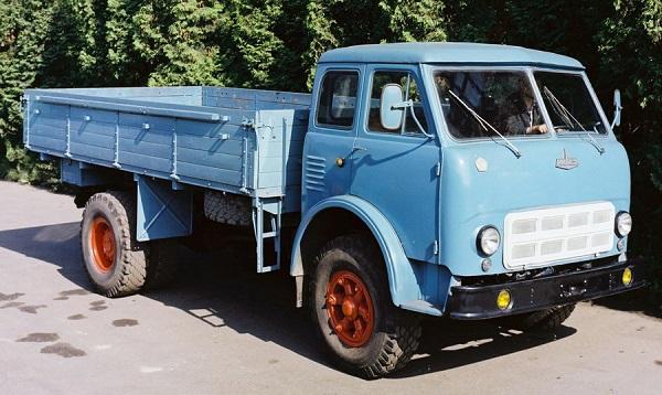 грузовик МАЗ 500 модели