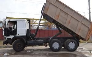 модель МАЗа 5516 с поднятым кузовом