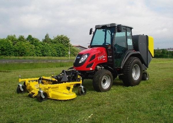 трактор TYM с газонокосилкой
