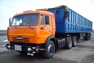 автомобиль КамАЗ-5410 с прицепом