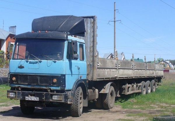 автомобиль МАЗ-54323