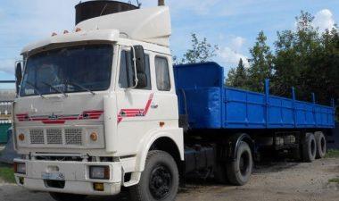автомобиль МАЗ-54329