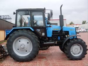 трактор МТЗ 1221В.2