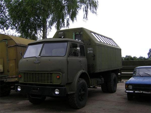 машина МАЗ-5334