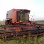 уборка урожая с помощью комбайна Кейс