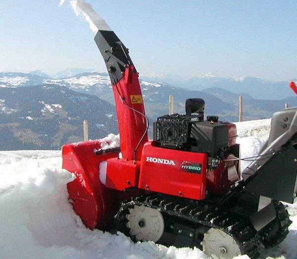 снегоотбрасыватель Хонда 1390, его эффективность
