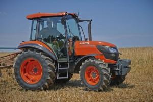 трактор Кубота, модель М7060