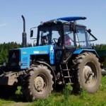 трактор МТЗ 1221 модели