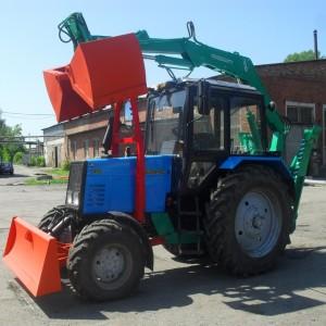 МТЗ-892 с дополнительным навесным оборудованием