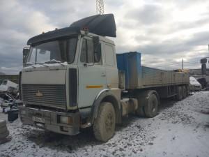тягач МАЗ-54329
