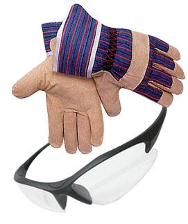 перчатки и очки для защиты при работе со снегоуборочной техникой