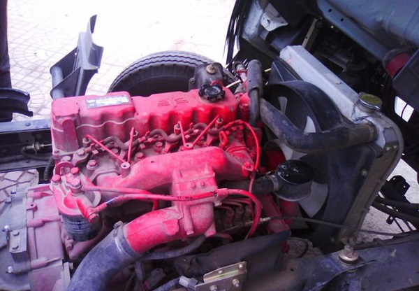 двигатель грузовика марки CA4DC2-10E3