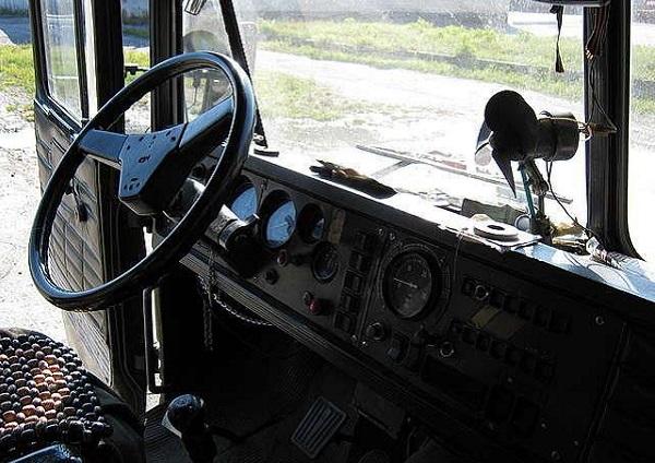 кабина грузового автомобиля КрАЗ-260
