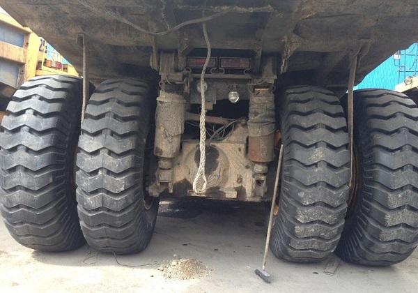 колеса карьерного самосвала БелАЗ-7555