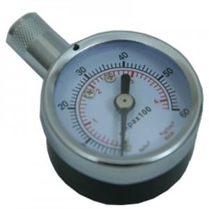 манометр для определения показателя давления в шинах