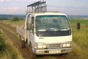 грузовой автомобиль ФАВ 1041  в работе