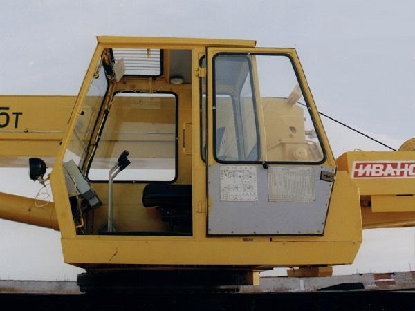 оснащение кабины крановщика КС 45717-1