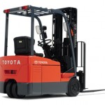 характеристики вилочных погрузчиков Тойота,  популярные модели и цены на них