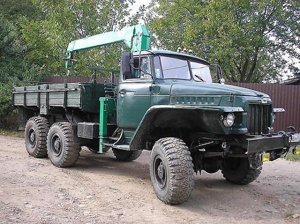 автомобиль Урал-375 Д, его описание
