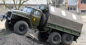 хорошая проходимость автомобиля Урал-375 и другие его отличительные особенности