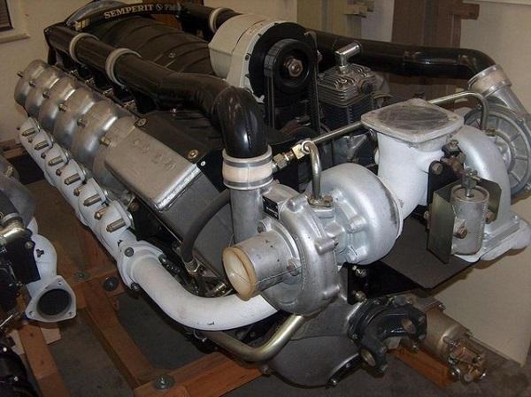 двигатель, используемый в автомобиле Татра 148