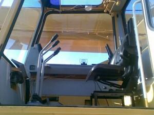 как выглядит внутри кабина автокрана Галичанин