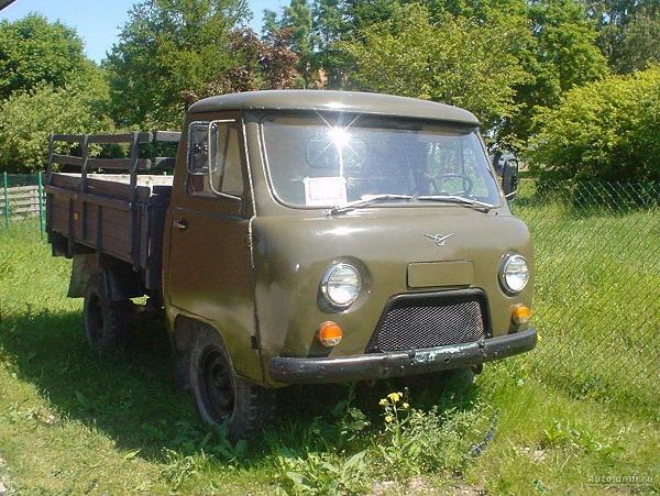основные технические характеристики автомобиля УАЗ-3303 в бортовом исполнении