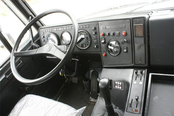 как выглядит кабина МАЗ-5551 изнутри