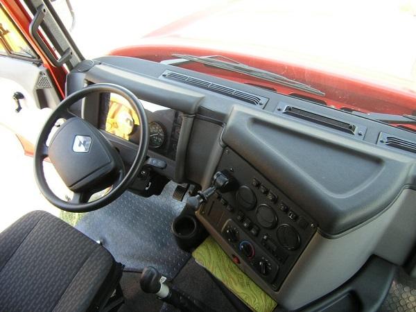 особенности расположения органов управления в автомобиле Урал-6464