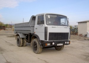 какими главными техническими характеристиками обладает МАЗ-5551