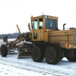 уборка снега с использованием грейдера модели ДЗ-122