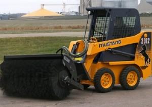 Параметры и основные характеристики мини-погрузчика MUSTANG 2012