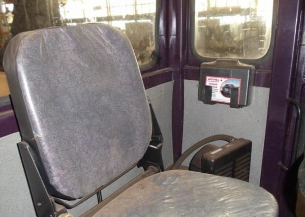 комфортная кабина автогрейдера ДЗ-180