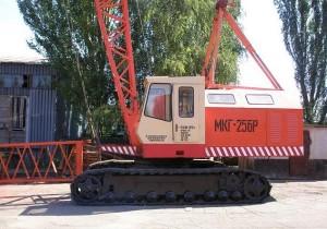 Основные технические характеристики модели гусеничного крана МКГ-25БР и его эксплуатация