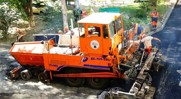 асфальтоукладчик ДС-191: эксплуатация в дорожном строительстве