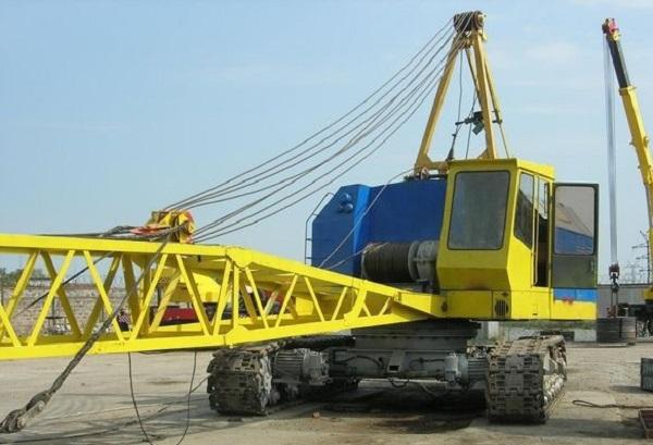 Применение современных гусеничных кранов МКГ-25 в строительстве
