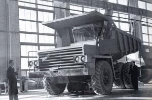 Первое фото БелАЗа-540 только сошедшего с конвейера