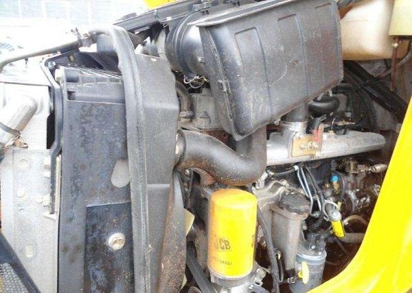 Работа дизельного двигателя экскаватора-погрузчика JCB 4CX