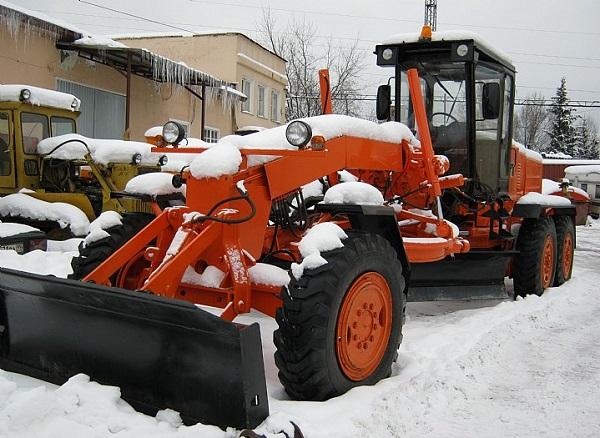 Особенности работы в зимний период автогрейдера ГС 18.05