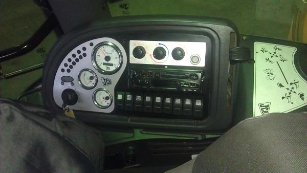 кабина и приборная панель JCB 4CX