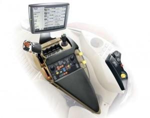установка подлокотника MULTICONTROLLER™ DRIVE LOGIC с цифровой системой логики