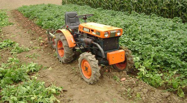 список недостатков мини-трактора Kubota b6000